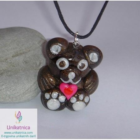 /425-1388-thickbox/creative-tutorials-how-to-make-a-teddy-bear-pendant.jpg